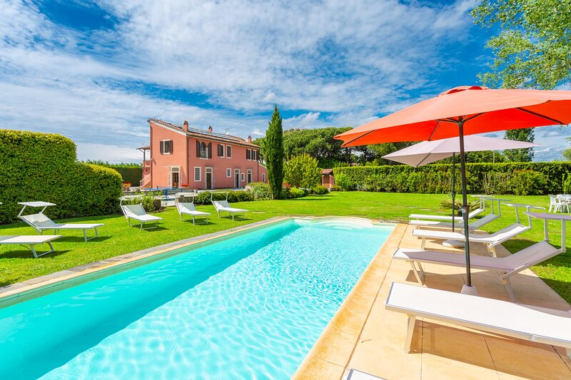 Villa Rossa: Large Private Pool, WiFi, holiday rental in Madonna Dell'Acqua