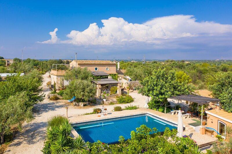 Villa Nina: Large Private Pool, A/C, WiFi, alquiler vacacional en Case Giurdanella