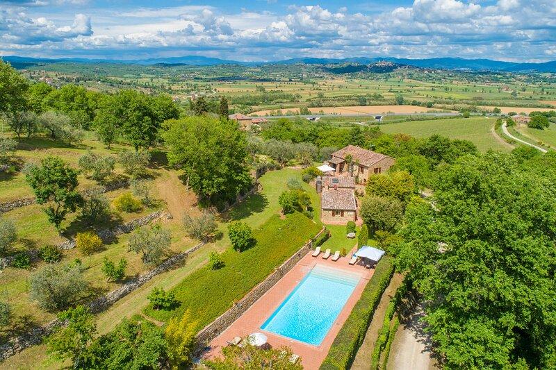Villa Bramasole: Large Private Pool, WiFi, holiday rental in Scrofiano