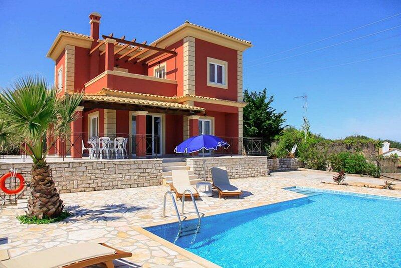 Villa Ioanna: Large Private Pool, A/C, WiFi, aluguéis de temporada em Agnitsini