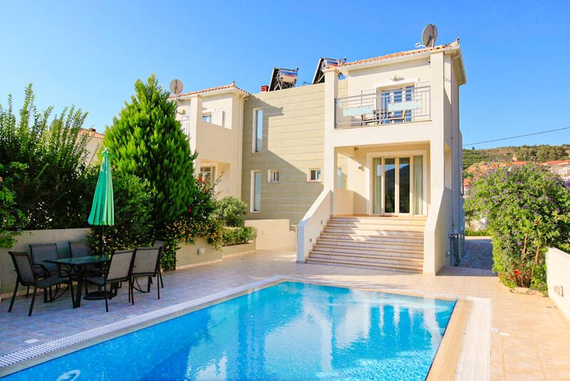 Villa Ismini: Large Private Pool, A/C, WiFi, Eco-Friendly, aluguéis de temporada em Katelios