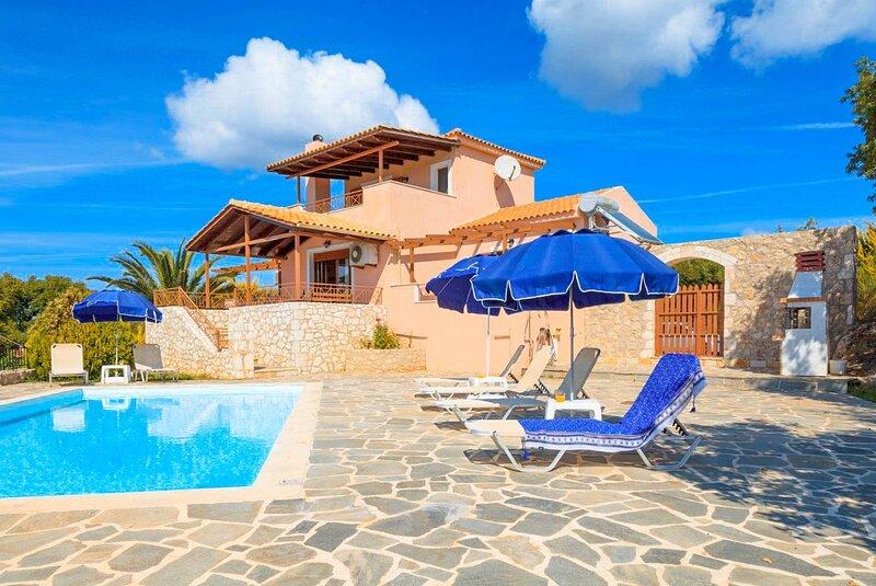 Villa Yeraki: Large Private Pool, Sea Views, A/C, WiFi, alquiler de vacaciones en Assos