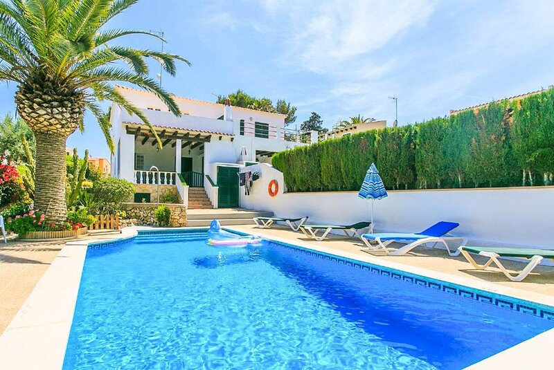 Villa Pepa: Large Private Pool, Walk to Beach, WiFi, Car Not Required, holiday rental in Ferreries