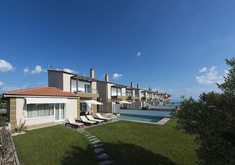 Grand Villa Athos: Private Pool, Sea Views, A/C, WiFi, vacation rental in Chaniotis