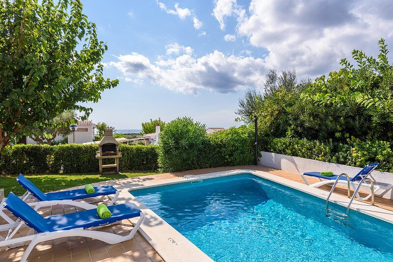 Villa Marlene: Large Private Pool, WiFi, holiday rental in Santo Tomas