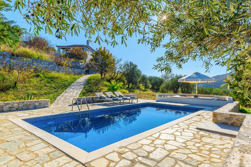 Beautiful Villa with Private Pool, Terrace and Garden area
