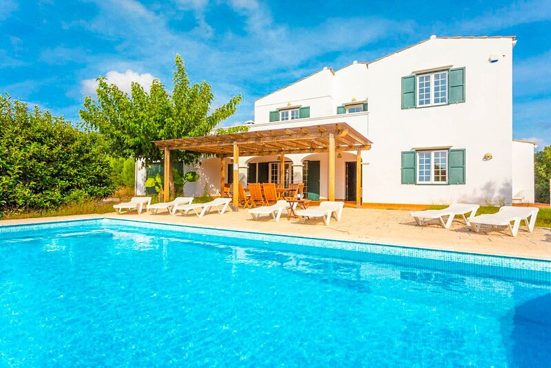 Villa Biniparrell: Large Private Pool, WiFi – semesterbostad i Sant Climent