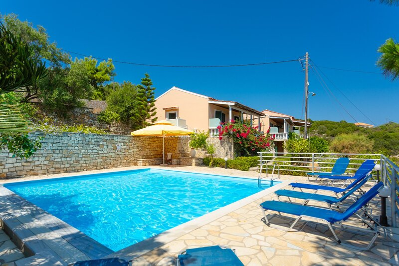 Dolphin Villa 2: Swimming Pool, Walk to Beach, Sea Views, A/C, WiFi, vacation rental in Lakka
