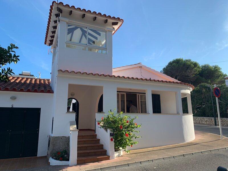 Villa Torreta: Private Pool, Walk to Beach, A/C, WiFi, Car Not Required, aluguéis de temporada em Es Castell