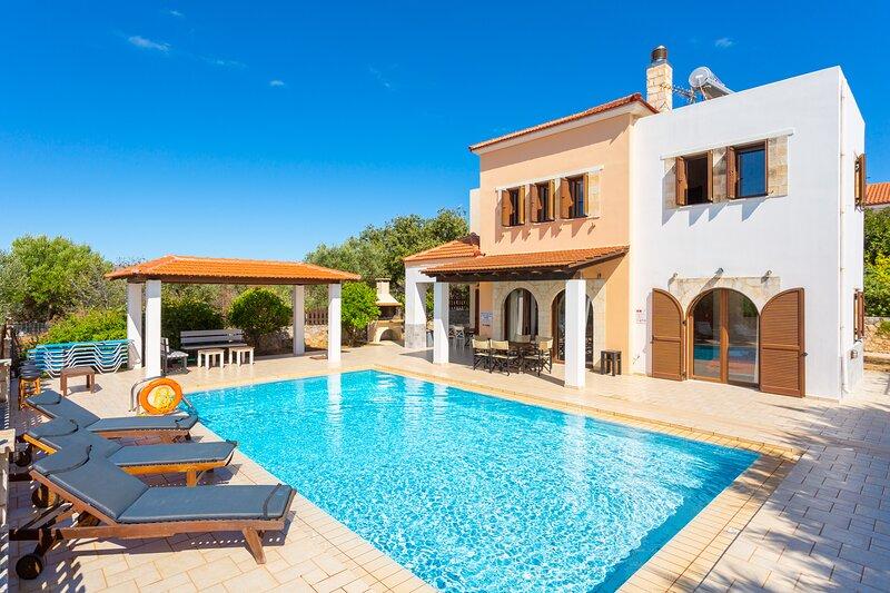 Villa Eva: Large Private Pool, A/C, WiFi, holiday rental in Kefalas