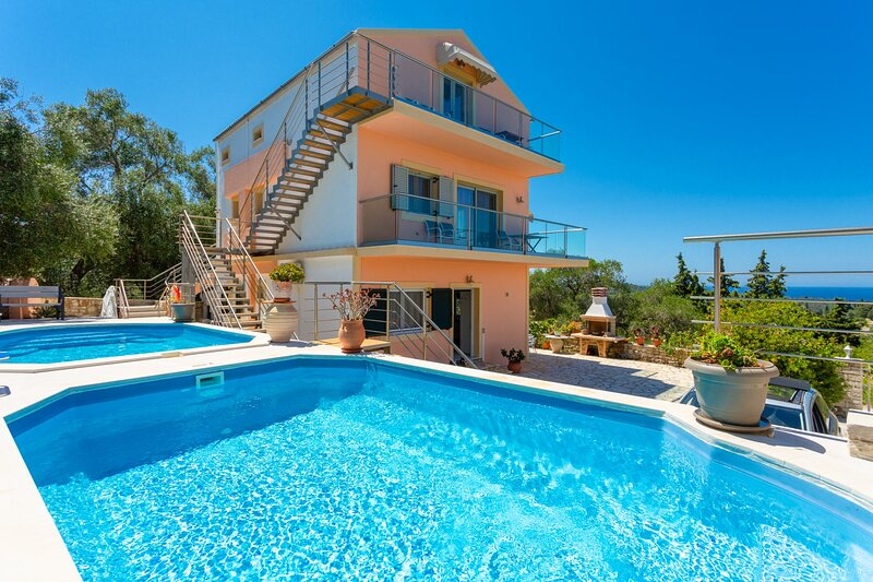 Villa Stephania: Private Pool, Walk to Beach, Sea Views, A/C, WiFi, vacation rental in Lakka