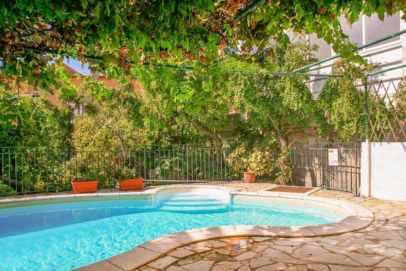 Kalliopi: Private Pool, Walk to Beach, A/C, WiFi, Car Not Required, alquiler de vacaciones en Katavolos