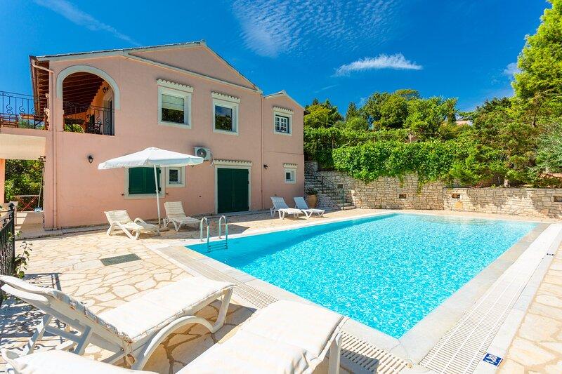 Villa Eleni: Large Private Pool, Sea Views, A/C, WiFi, holiday rental in Vigla