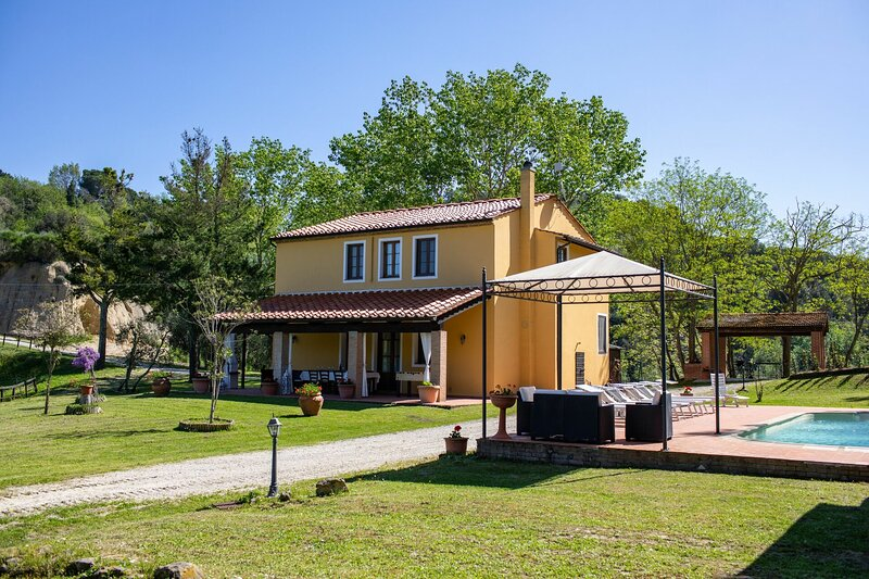 Villa Letizia, holiday rental in Montefoscoli