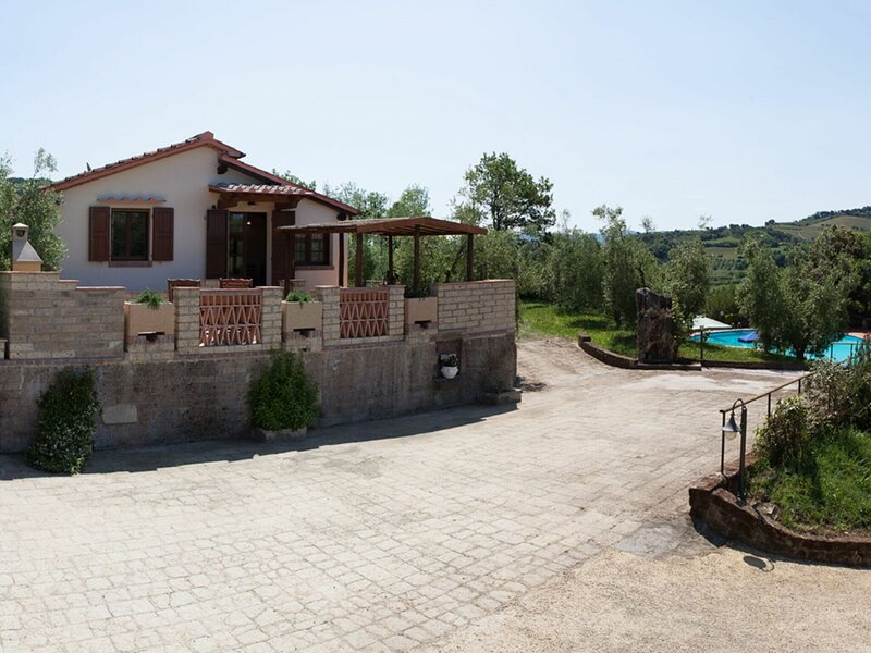 Villa Riparbella, holiday rental in Montescudaio