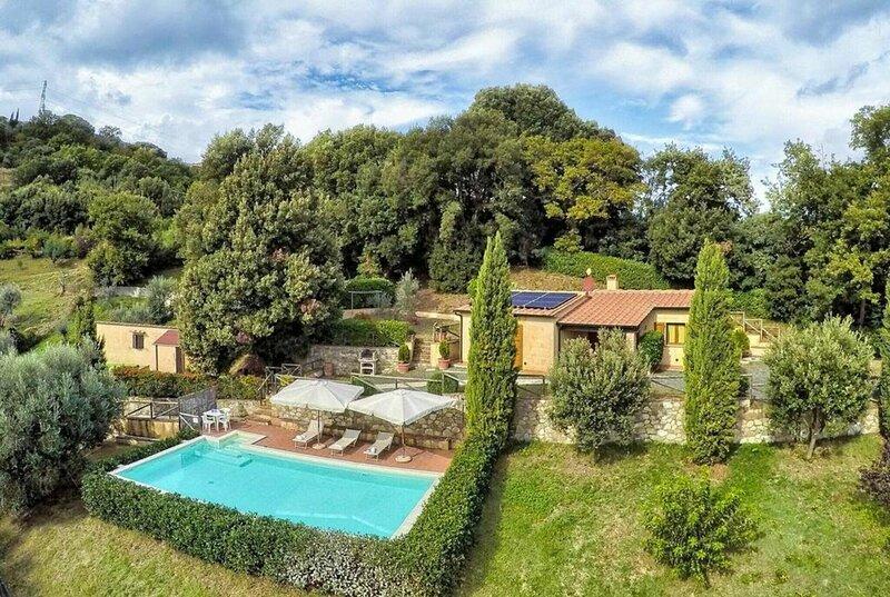 Villa Lustignano, alquiler vacacional en Monterotondo Marittimo