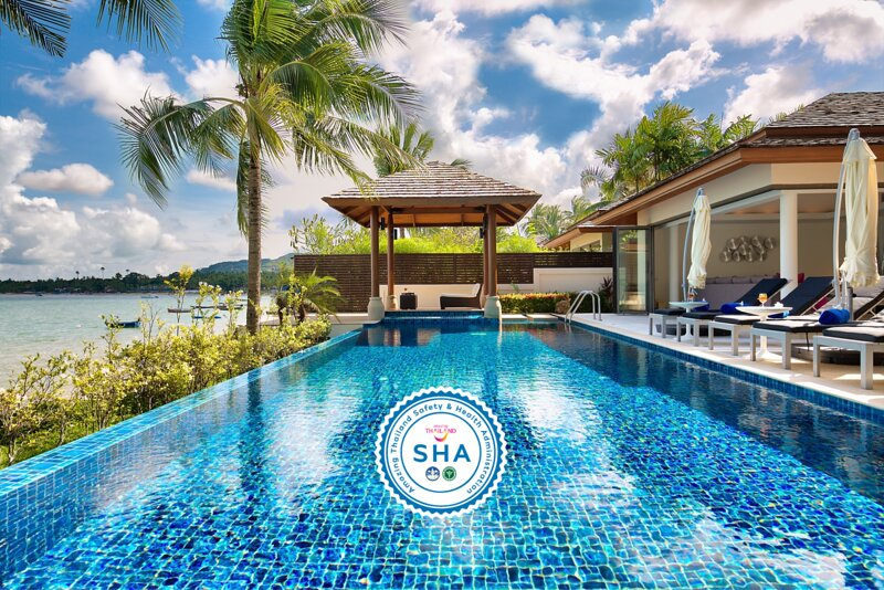 30% OFF Baan Benjamart Stylish Beachfront Pool Villa w/ Chef, holiday rental in Mae Nam