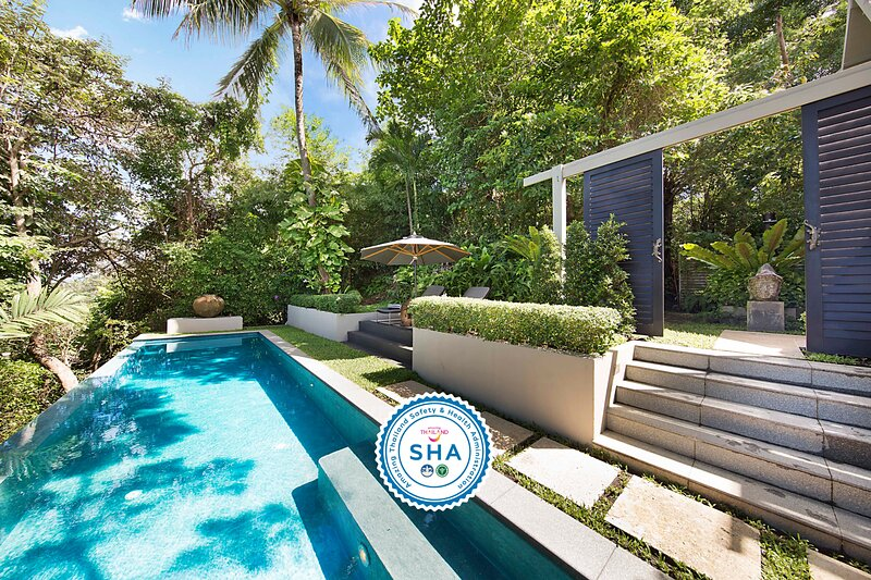 SPECIAL RATE   The Headland Villa 1 Modern Hillside Family Home, vacation rental in Taling Ngam
