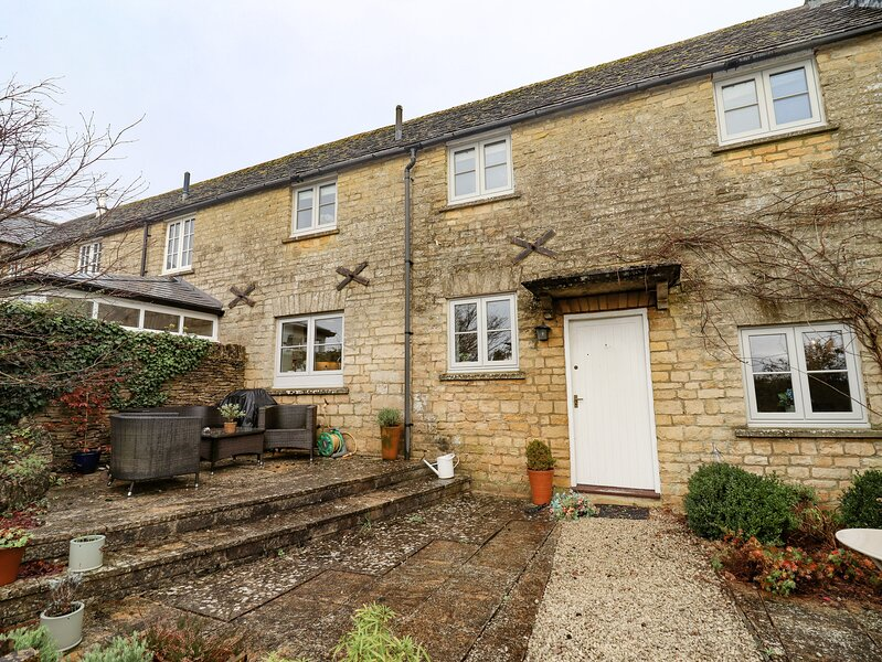 6 Yew Tree Cottages, Stow-On-The-Wold, vacation rental in Upper Oddington
