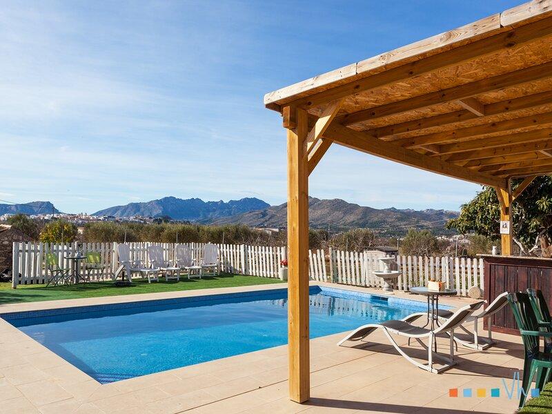 VILLA ANZUELA, Ferienwohnung in Canor