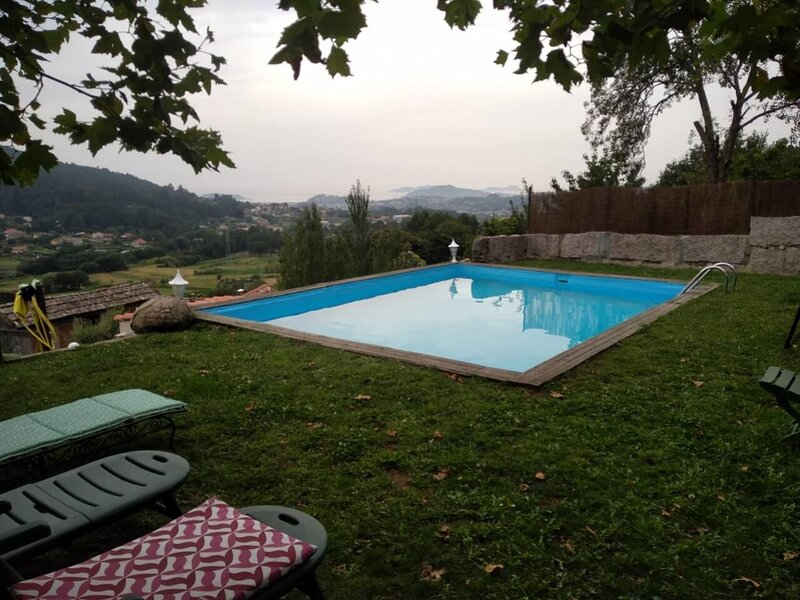 Big property with shared pool, holiday rental in Tui