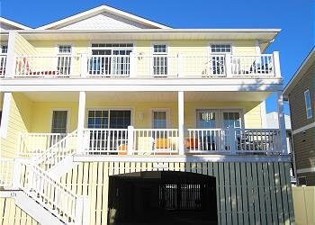 Immaculately maintained property just steps to the beach in Dewey Beach., location de vacances à Dewey Beach
