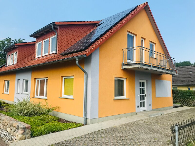 Ferienwohnung Spengler im Erdgeschoss mit Sauna und Terrasse, holiday rental in Freest