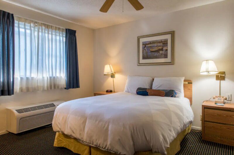 ADVENTURE AWAITS! SPACIOUS UNITS, POOL, FREE PARKING, NEAR OAKLAND COLISEUM!, vacation rental in Alameda