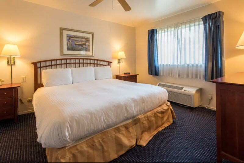 WONDERFUL STAY! CLEAN AND SPACIOUS 2 UNITS, POOL, NEAR ALAMEDA FERRY TERMINAL!, vacation rental in Alameda
