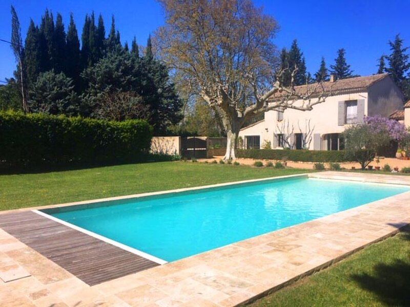 LS1-365 MIGNOUN Beautiful rental in Plan d'Orgon with private pool, holiday rental in Orgon