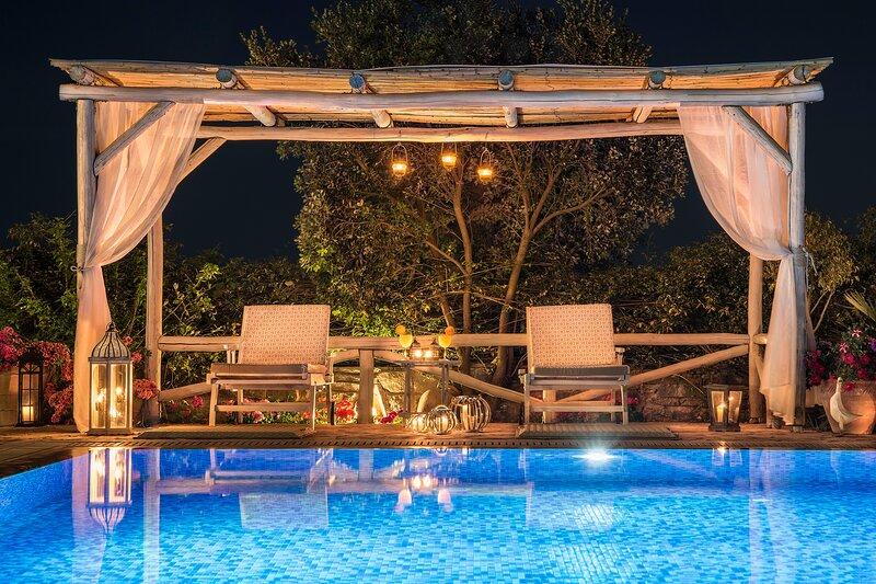 Chania Secluded Retreat - Kallithea Luxury Villa, aluguéis de temporada em Melidoni