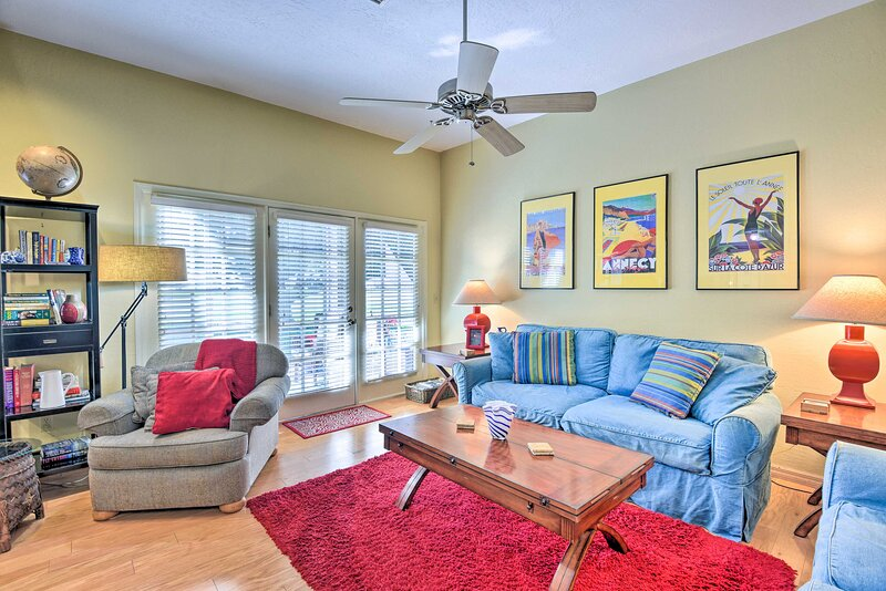 NEW! Sunny Titusville Retreat Near Space Coast!, casa vacanza a Titusville