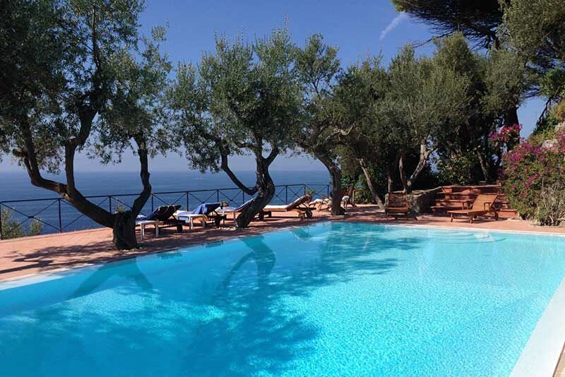 Marciano Villa Sleeps 10 with Pool Air Con and WiFi - 5880812, holiday rental in Marciano