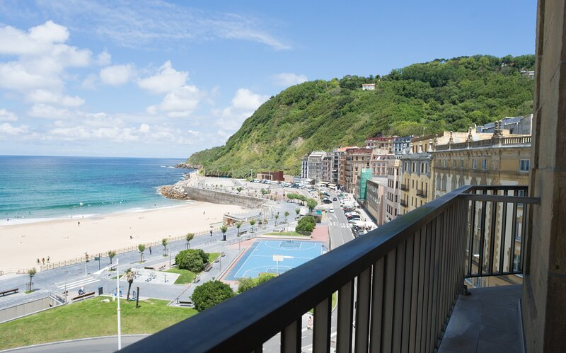 Apartment - 3 Bedrooms with WiFi and Sea views - 109073, casa vacanza a Pasajes