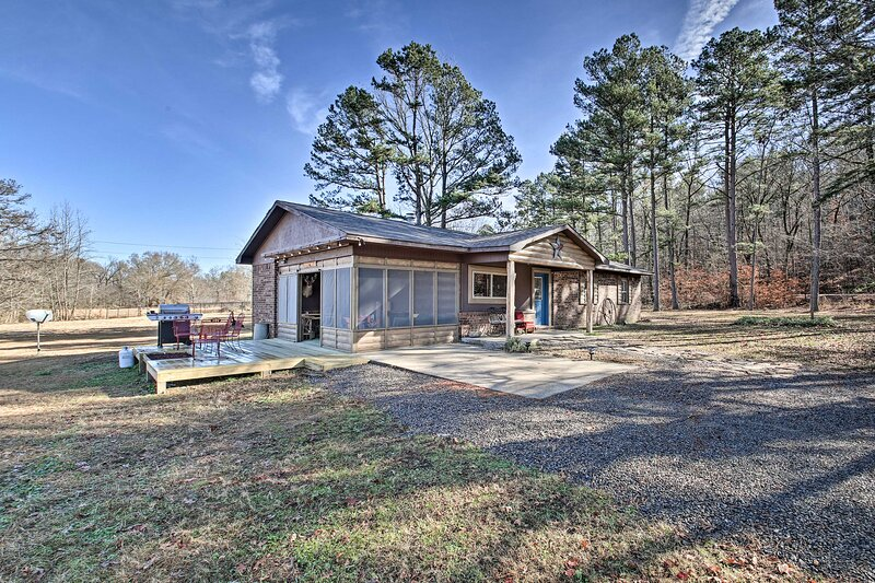 NEW! Secluded Boles Home Near River: Pets Welcome!, vacation rental in Pine Ridge