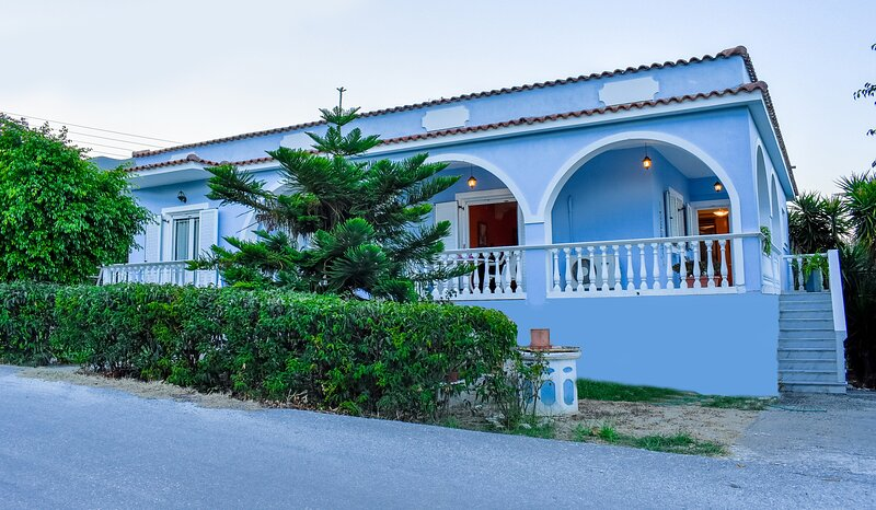 Vicky's Village private House, holiday rental in Lagopodo