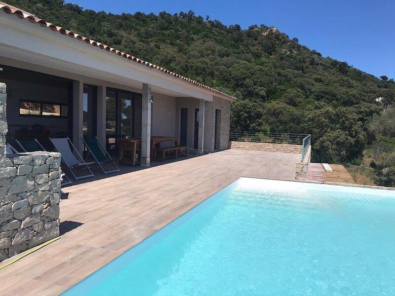 Villa 10 pers avec piscine privée face à la plage des Américains Corse du Sud, alquiler de vacaciones en Solaro