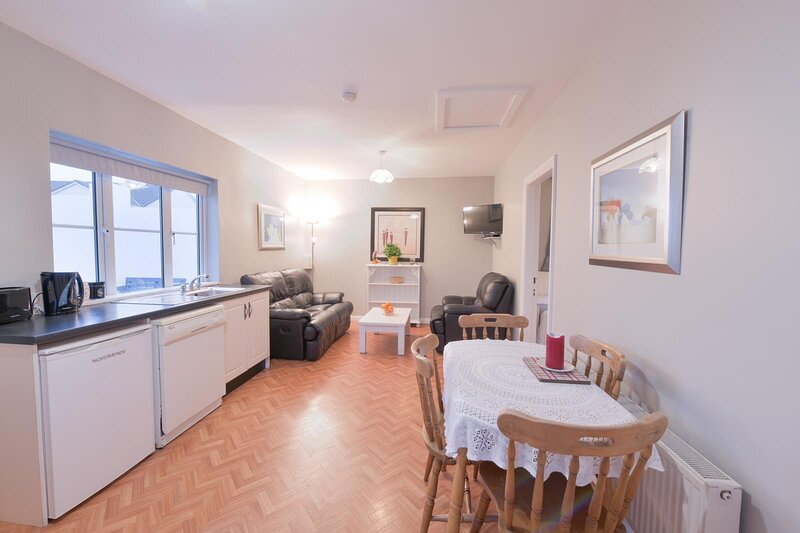Ocean Breeze Apartment, casa vacanza a Lahinch