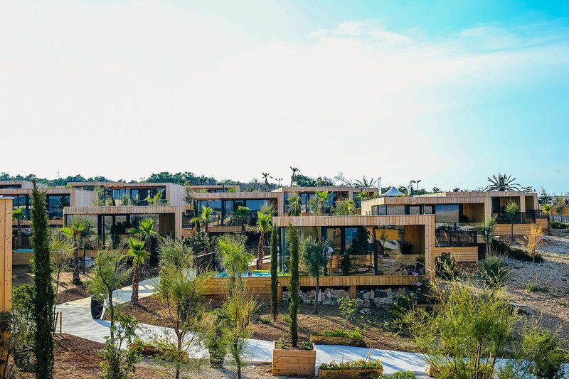 Noa Hillside premium villa, casa vacanza a Kolan