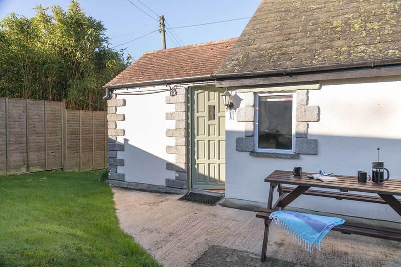 Little Gwendreath Holiday Cottages Cottage 1, holiday rental in The Lizard
