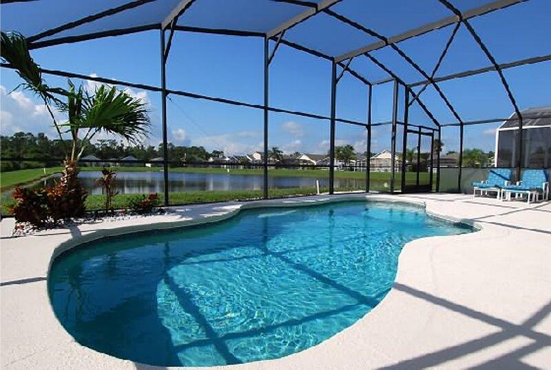 Florida Lakeside Villas - the Villa on the Lake, casa vacanza a Intercession City