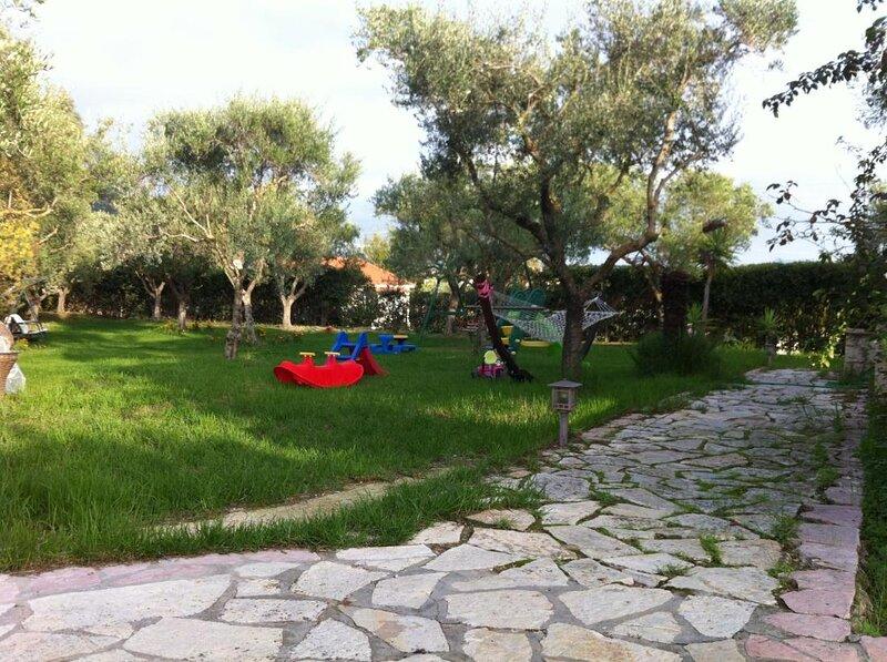 Villa Zeza - The Ultimate family villa, vacation rental in Tragakion