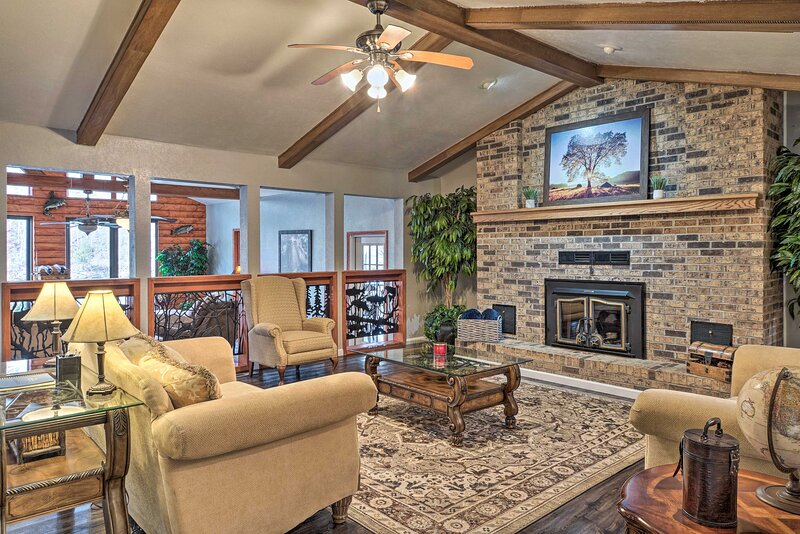 NEW! Waterfront Retreat w/ Boat Dock & Game Room!, vacation rental in Point Lookout