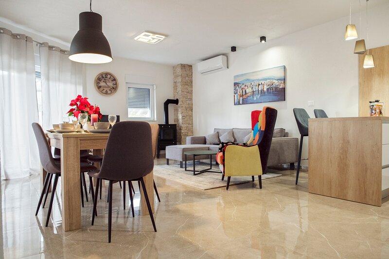 Villa Naklice, vacation rental in Tugare