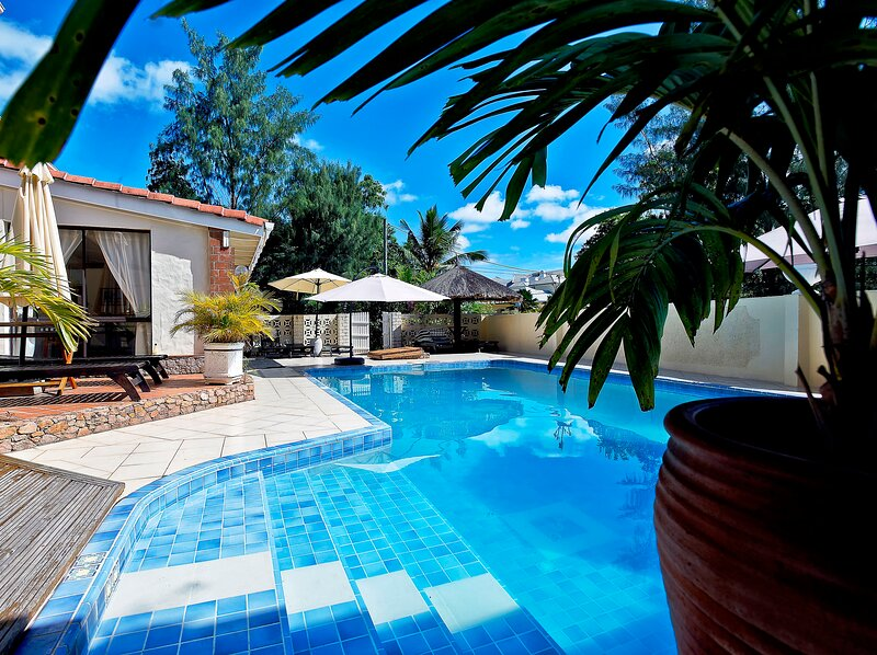 Amazing house with shared pool, holiday rental in Anse Etoile