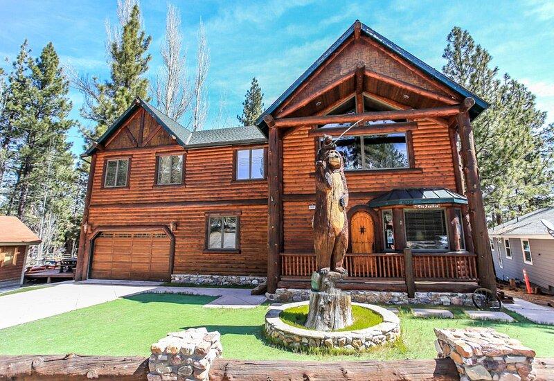 Casa De Oso Lakefront, alquiler de vacaciones en Big Bear Region