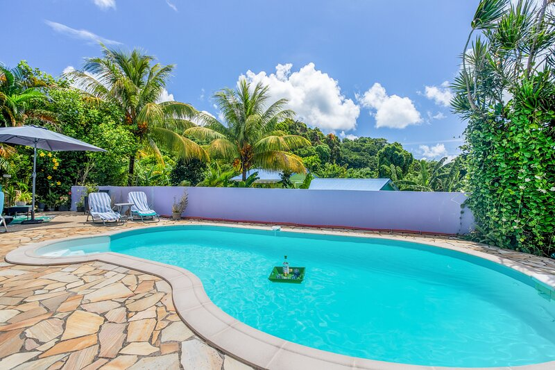 Amazing house with swimming-pool, location de vacances à Riviere-Pilote