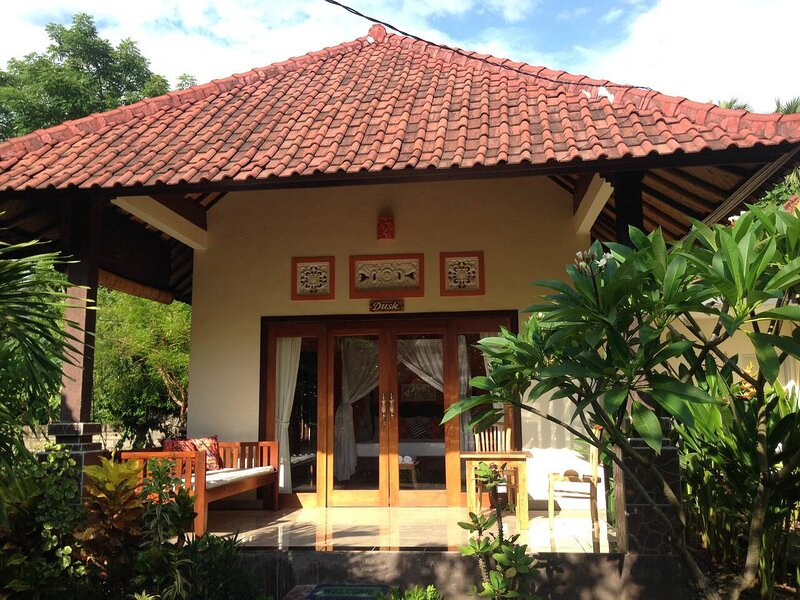 Kirana Homestay - Dusk Bungalow, vacation rental in Tulamben