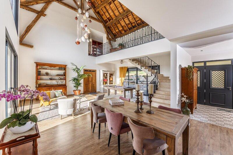 Chambres d'hôtes 'La Maison du Grand Bossieu', holiday rental in Bonnefamille
