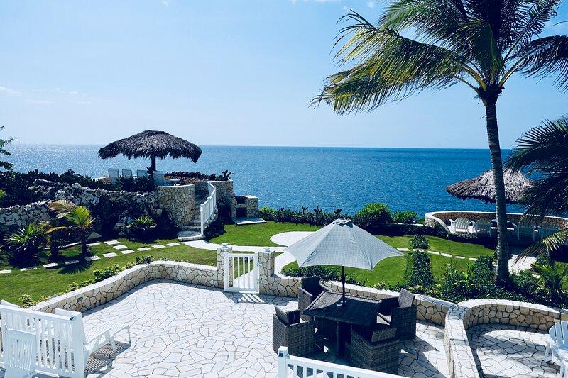 Stunning Ocean View, holiday rental in Green Island